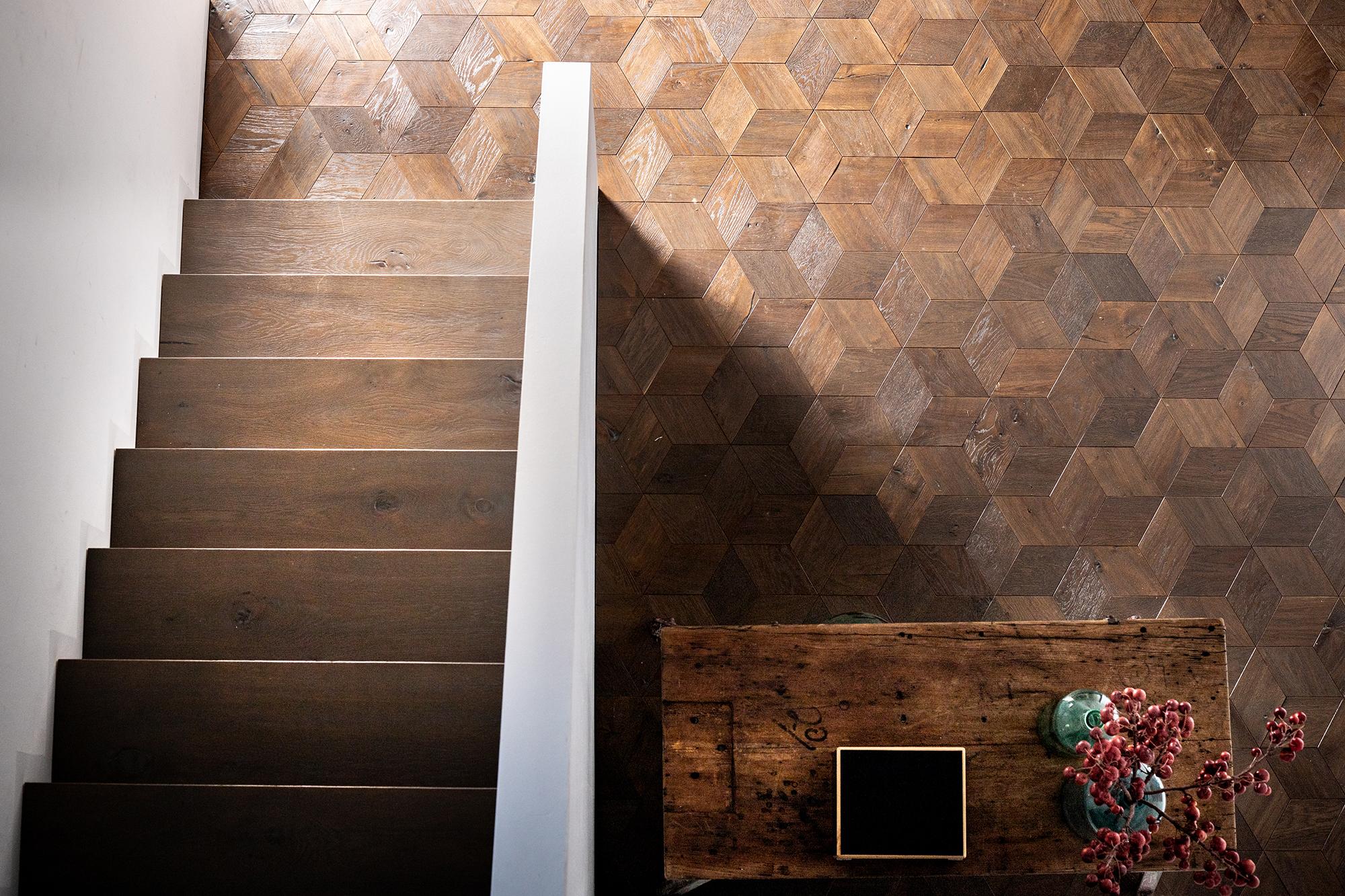 Musterboden Eiche Delano Tinte und Treppenstufen aus demselben Material